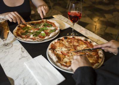 Pizzes a la terrassa